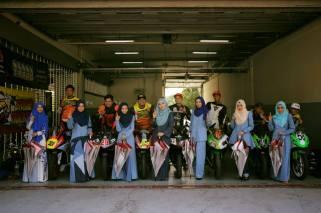 umbrell girls muslimah di balapan malaysia tahun 2016 (5)