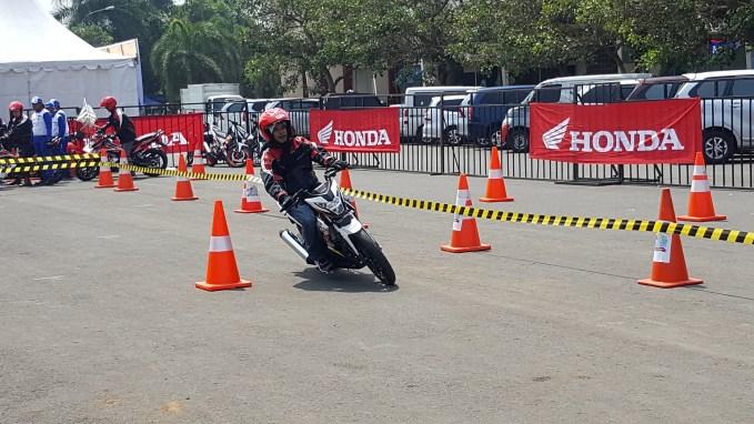 kompetisi gymkhana di Honda Sonic Infastion di Malang 2016