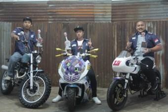 peraih-gelar-national-champion-ffa2006-budi-setiawan-national-champion-matic-peterson-rvai-dan-national-champion-bebek-sport-yuwono-pemenang-honda-modif-contest-2016