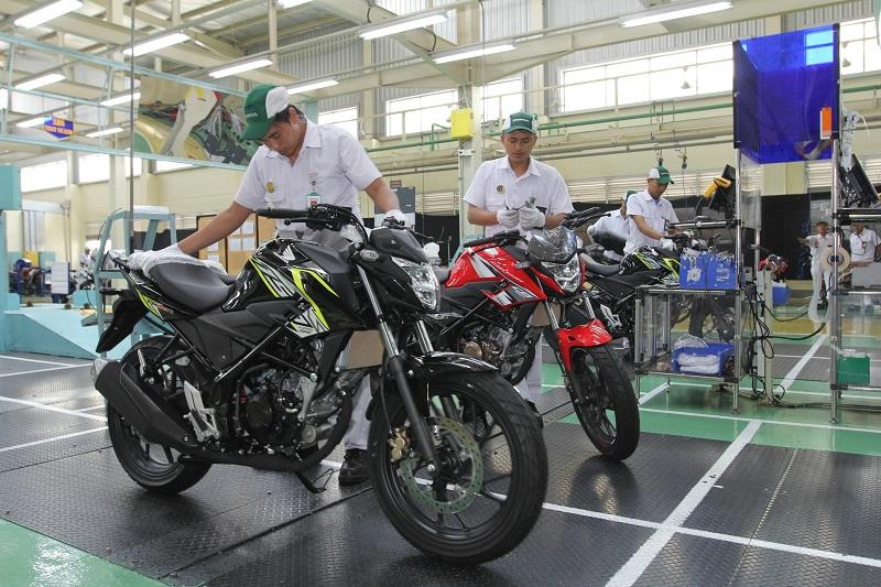livery New Honda CB150R StreetFire tahun 2016 (2)