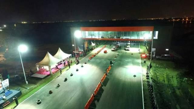 sirkuit-drag-race-di-bung-tomo-international-circuit-surabaya-tahun-2016-3