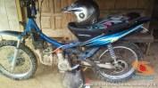 begini cara parkir unik motor trail di Indonesia