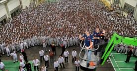 marc marquez dan dani pedrosa kunjungi pabrik honda di karawang 2 pebruari 2017~03