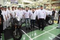 marc marquez dan dani pedrosa kunjungi pabrik honda di karawang 2 pebruari 2017~06