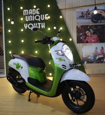 warna baru Honda All New Scoopy 12 inchi tahun 2017