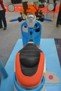 Honda scoopy velg 12 inch tahun 2017 modifikasi playful white blue (9)