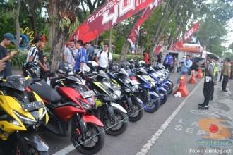yamaha jatim bagi takjil bersama polantas surabaya dan biker yamaha aerox tahun 2017 (9)