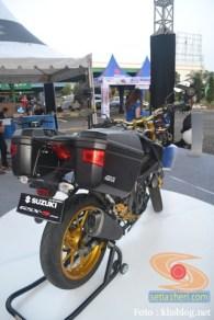 Modifikasi Suzuki GSX S 150 buat biker turing plus sidebox tahun 2017 (15)