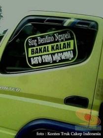 Kumpulan Tulisan lucu di kaca samping truk ....hehehe....gokil 2017 (13)