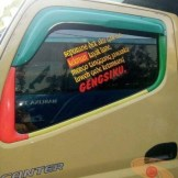 Kumpulan Tulisan lucu di kaca samping truk ....hehehe....gokil 2017 (22)