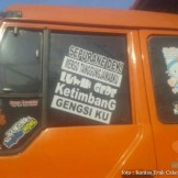 Kumpulan Tulisan lucu di kaca samping truk ....hehehe....gokil 2017 (28)