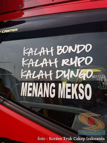 Kumpulan Tulisan lucu di kaca samping truk hehehegokil