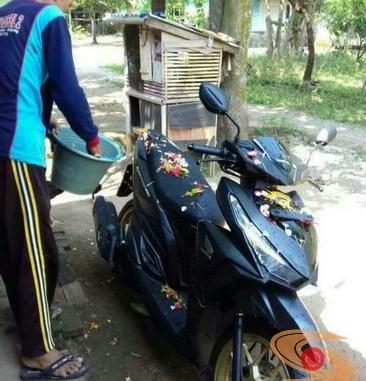 alasan motor baru dimandikan air kembang (2)
