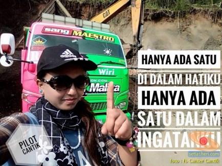 Ratu Nolayyyy Indonesia, Sopir Cantik dump truk asal Jember...salam 1A3P (2)