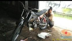 proses Modifikasi Honda Supra X jadi motor Trail