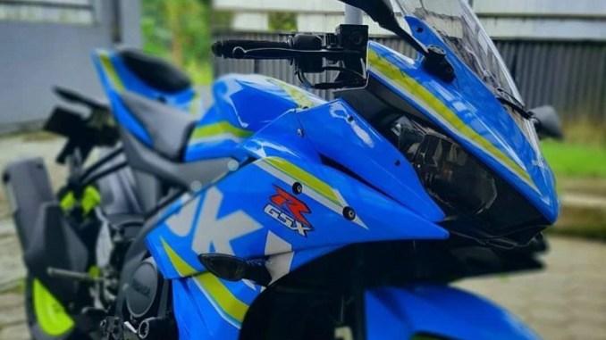Modifikasi Tumpang Sari Yamaha R15 Rasa Suzuki Gsx R150 Feat