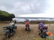 Kumpulan foto unik cara parkir motor Yamaha Vixion di area pasir (2)