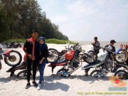 Kumpulan foto unik cara parkir motor Yamaha Vixion di area pasir (22)
