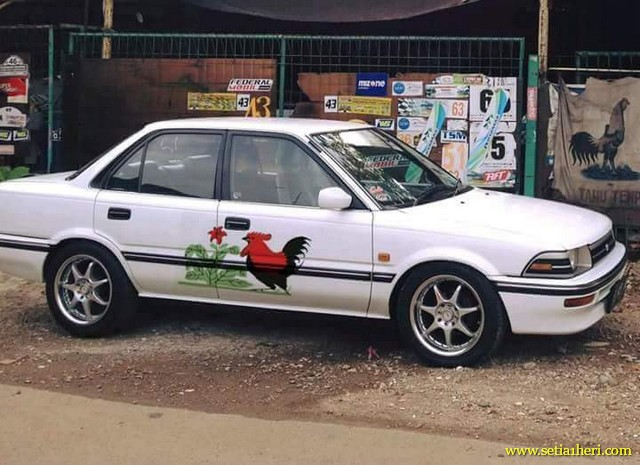 "Kumpulan gambar modifikasi livery ""Mangkok"" Ayam Jago di dunia otomotif...hehehe"