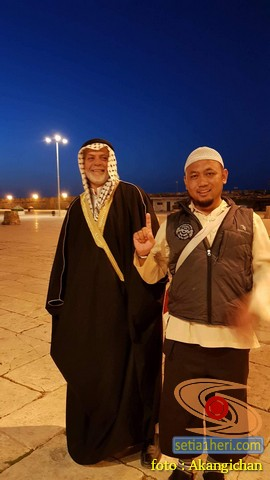 akang ichan bandung di masjid dome of rock palestina tahun 2018 bersama syekh yusuf
