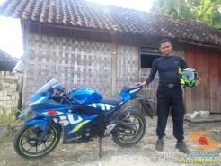 Serunya blogger setia1heri manasin mesin Suzuki GSX R 150 alias si 3C0 buat sungkem emak di Tuban (4)