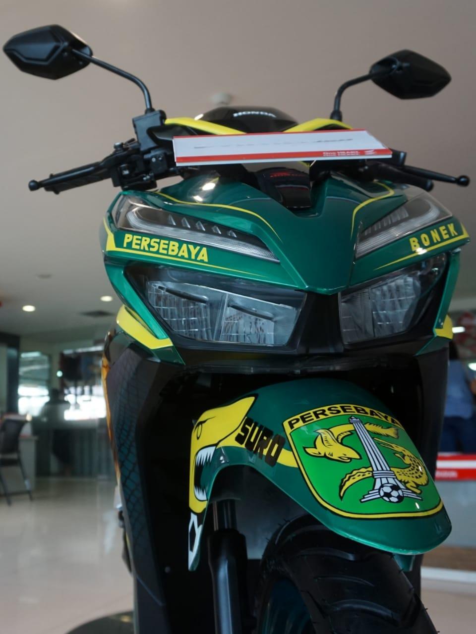 Lelang Honda Vario 150 tahun 2018 livery Bonek Persebaya~02