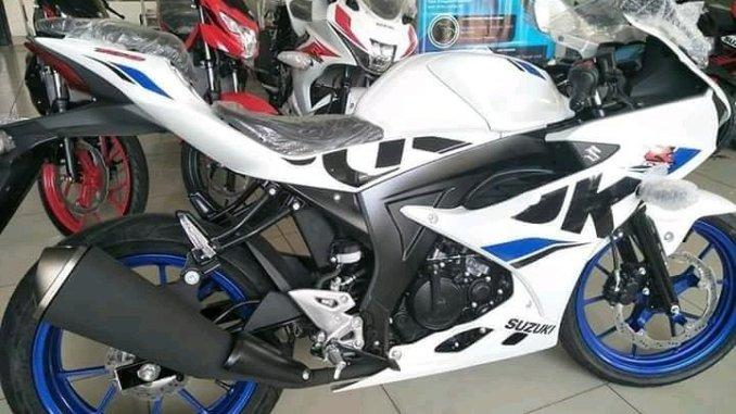 Pilihan Warna baru Suzuki GSX R150 body putih velg biru tahun 2018