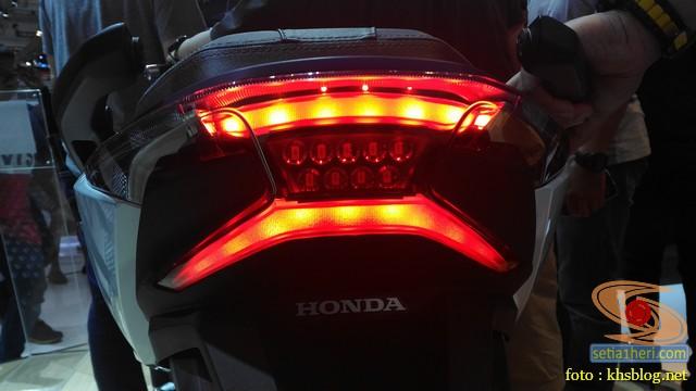lampu belakang honda forza 250