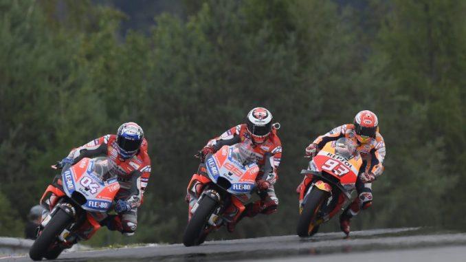 Download Video Full Race Moto GP Brno, Ceko 2018 : Dovi gak nyangka bisa libas Lorenzo dan Marquez