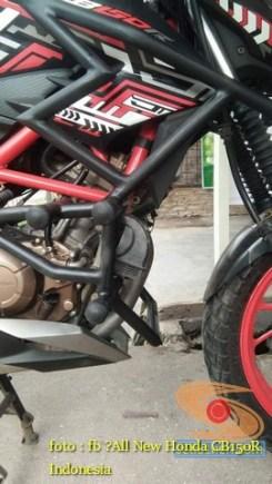 Kumpulan gambar inspirasi frame slidertubular atau crash bar pada Honda CB150R Street Fire (2)