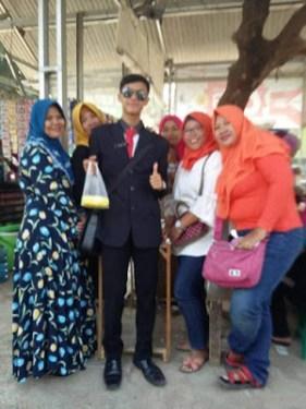 Nunggang Honda Verza, pemuda ganteng jas parlente penjual tahu asal Bogor ini pikat gadis hingga emak-emak gans (12)