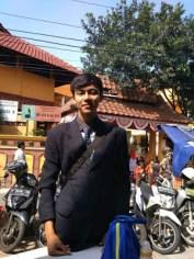 Nunggang Honda Verza, pemuda ganteng jas parlente penjual tahu asal Bogor ini pikat gadis hingga emak-emak gans (15)