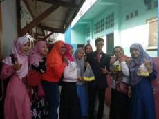 Nunggang Honda Verza, pemuda ganteng jas parlente penjual tahu asal Bogor ini pikat gadis hingga emak-emak gans (8)