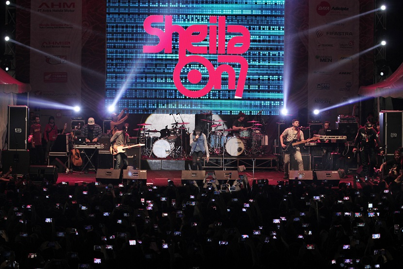 sheila on 7 di honda bikers day tahun 2018