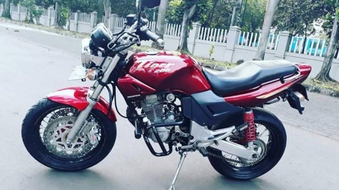 Modifikasi Honda Tiger Revo Jadi Tiger Lawas Dengan Part