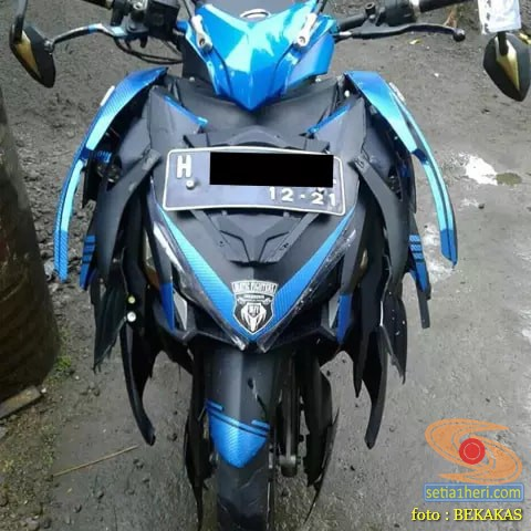 Kumpulan gambar modifikasi motor aliran body tumpuk (botum) alias monster atau fighter