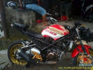 Kumpulan gambar modifikasi Honda CBR150R tanpa fairing (4)