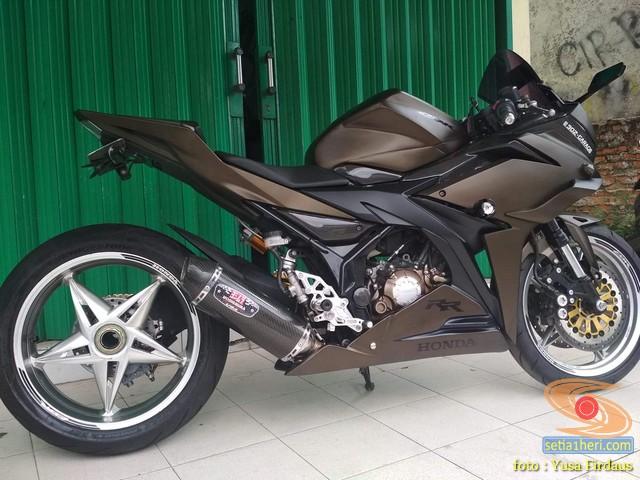 Modifikasi mewah Honda CBR150R, bikin kepincut gans..