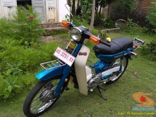 Restorasi motor lawas Yamaha V75, keren dan kinyis-kinyis brosis (12)