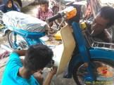 Restorasi motor lawas Yamaha V75, keren dan kinyis-kinyis brosis (4)