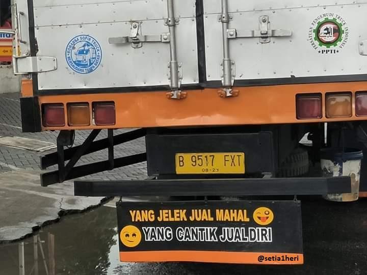 tulisan unik dikolong truk pantura