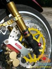 Kumpulan gambar modifikasi sepeda motor pakai piringan cakram besar brosis (2)