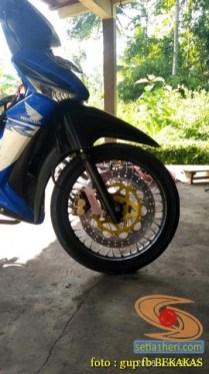 Kumpulan gambar modifikasi sepeda motor pakai piringan cakram besar brosis (6)