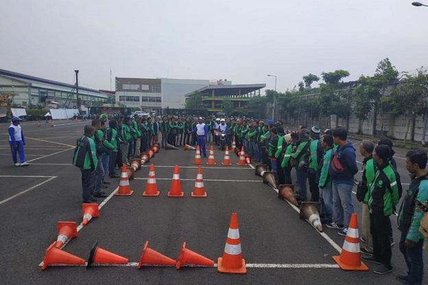 MPM Honda Jatim latih driver ojol untuk tetap cari_aman di Jalan