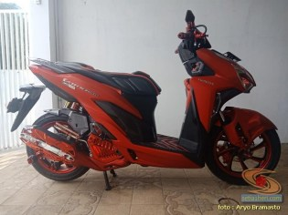 Modifikasi All New Honda Vario 150 merah merona ala sultan brosis (9)
