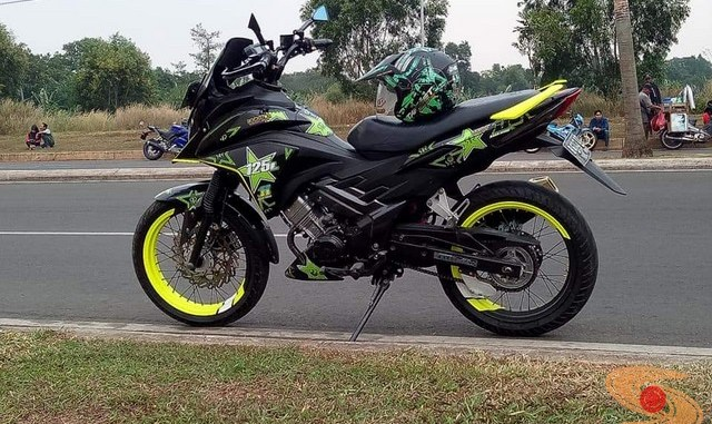 Modifikasi cantik Honda CS1, pakai stang Honda Beat brosis
