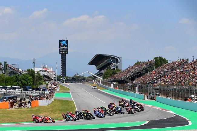 Hasil Moto GP Catalunya 2019 : Marquez ngacir didepan disusul Quartararo dan Petrucci, banyak pembalap DNF crash karamboll