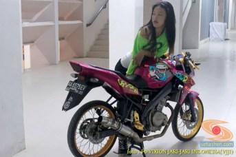 Kumpulan gambar modifikasi Yamaha Vixion warna pink brosis (18)
