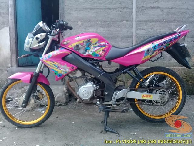 Kumpulan Gambar Modifikasi Yamaha Vixion Warna Pink Brosis 2