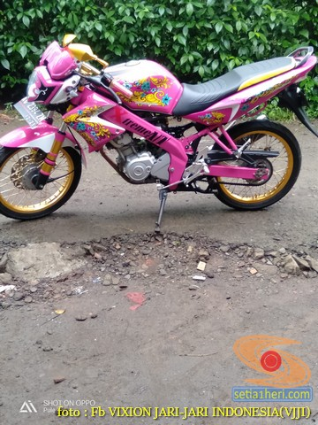 Kumpulan gambar modifikasi Yamaha Vixion warna pink brosis (21)